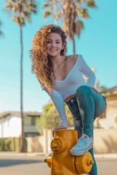 Sofie Dossi – Social Medial Photos 06/27/2020