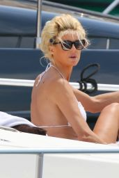 Victoria Silvstedt - Relaxing on Yacht in Saint Tropez 06/01/2020