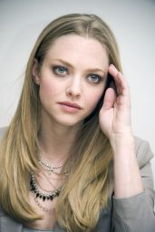 """Amanda Seyfried - """"Gone"""" Press Conference in Beverly Hills"""