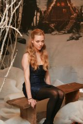 "Amanda Seyfried - ""Red Riding Hood"" Portraits 2011"