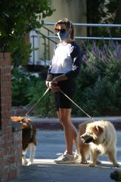 Aubrey Plaza - Walking Her Dogs in Los Feliz 06/12/2020