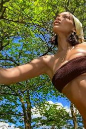 Bella Hadid - Social Media Photos 07/11/2020
