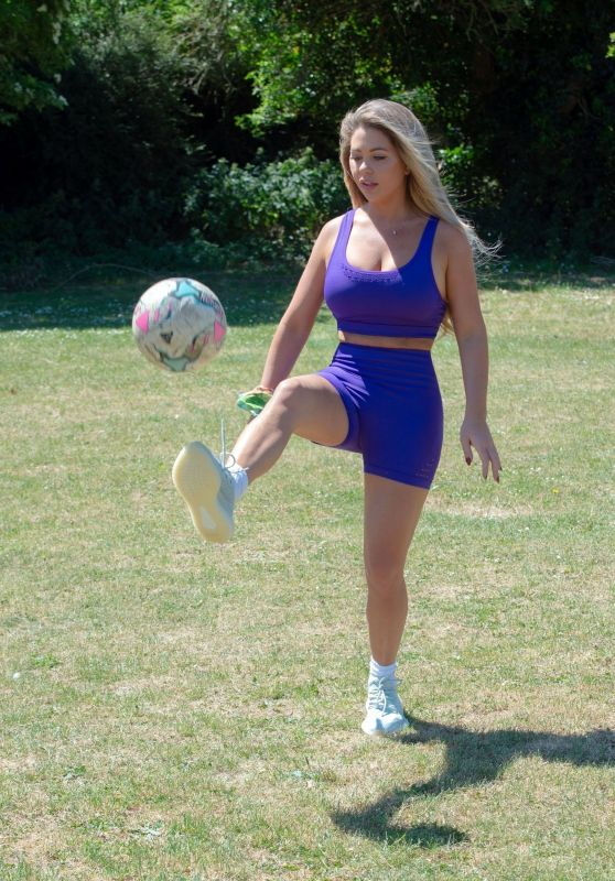 Bianca Gascoigne - Playing Football in Her Local Park in Kent 07/14/2020