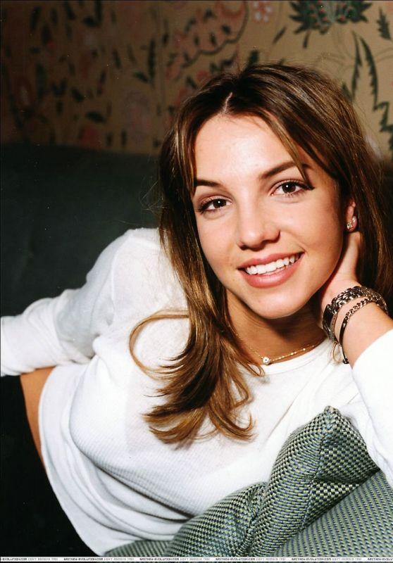 Britney Spears - Photoshoot 1998 (CS)