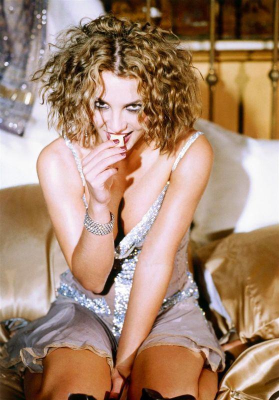 Britney Spears - Photoshoot 2003 (EVU)