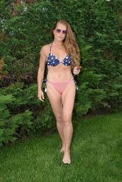 Brooke Shields in a Bikini 07/06/2020