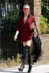 Caprice Bourret Street Style - West London 07/23/2020