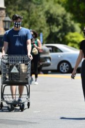 Charli XCX in a Black Crop Top and Joggers at the Grocery Store in LA 07/30/2020