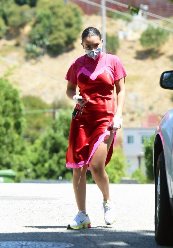 Charli XCX - Out in Los Angeles 07/28/2020