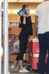 Charlotte McKinney - Shopping at CVS 07/15/2020