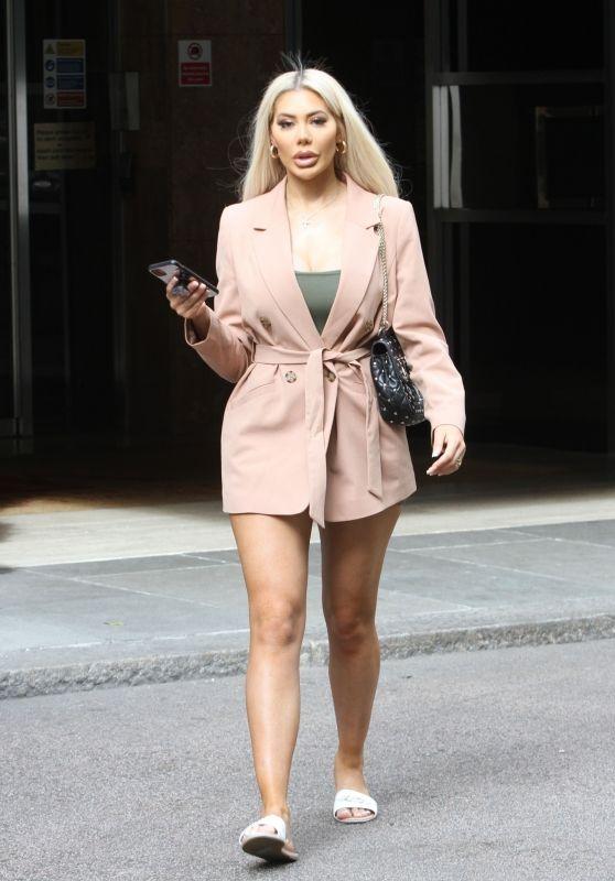 Chloe Ferry Looks Chic - London 07/22/2020