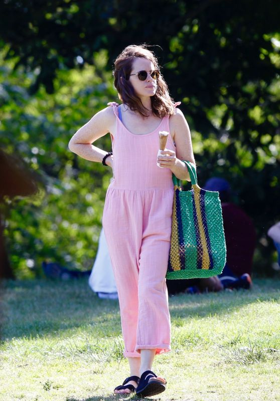 Claire Foy in the Park in London 06/23/2020