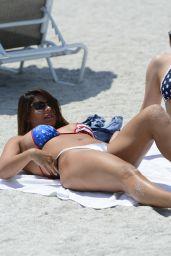 Donna Bella and Carmen Valentina - Beach in Clearwater 07/01/2020