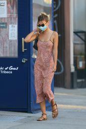 Emily Ratajkowski Outfit 07/09/2020