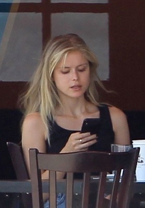 Erin Moriarty at Kings Road Cafe in Beverly Hills 07/05/2020