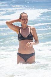 Helen Hunt in a Bikini - Malibu 07/09/2020