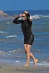 Jennifer Garner - Beach in Malibu 07/13/2020