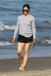 Jennifer Garner - Beach in Malibu 07/15/2020