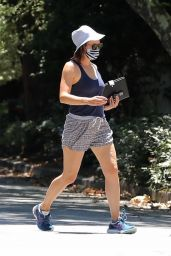 Jennifer Garner - Checks Out the Progress on Her New Mansion in Brentwood 07/22/2020