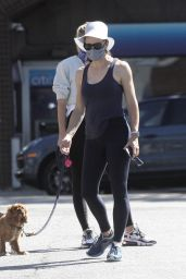 Jennifer Garner in a Skin Tight Outfit - Pacific Palisades 07/18/2020