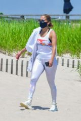 Jennifer Lopez on the Beach in the Hamptons 07/08/2020