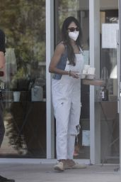 Jordana Brewster - Blue Bottle Coffee in Malibu 07/10/2020