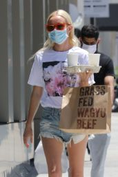Kate Bosworth - Picking Up Lunch in LA 07/07/2020