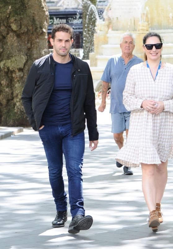 Kelly Brook With Jeremy Parisi - Out for Lunch in London 07/14/2020