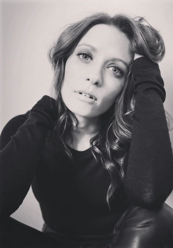 Lara Jean Chorostecki 12/31/2020 • CelebMafia