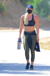 Lindsey Vonn - Hiking in LA 07/08/2020