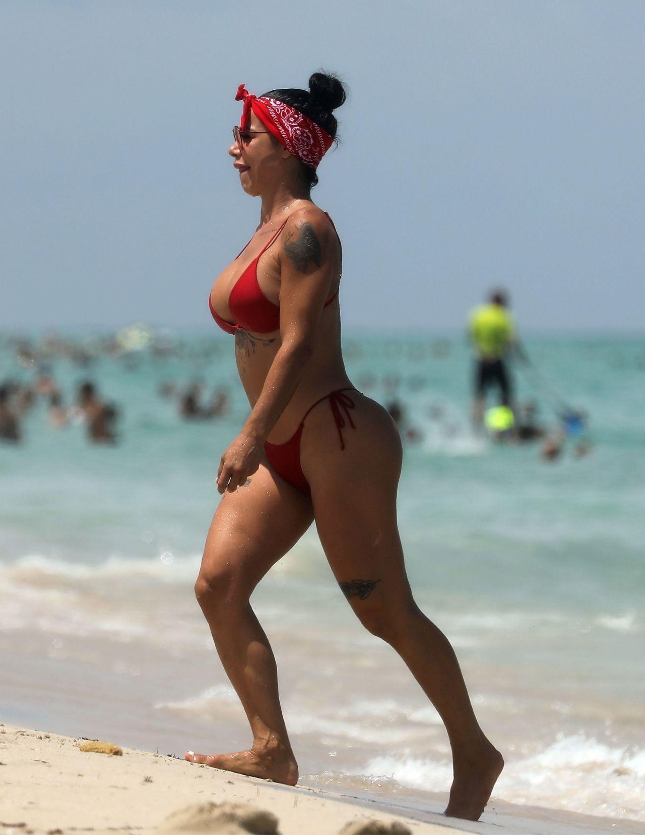 Www bikini beach world
