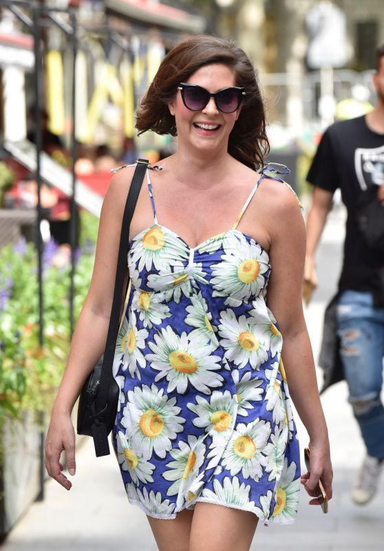 Lucy Horobin - Arriving at the Global Studios in London 07/13/2020
