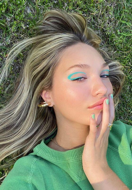 Maddie Ziegler - Social Media Photos and Video 07/19/2020