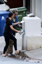 Minka Kelly - Putting a Mailbox in LA 07/13/2020