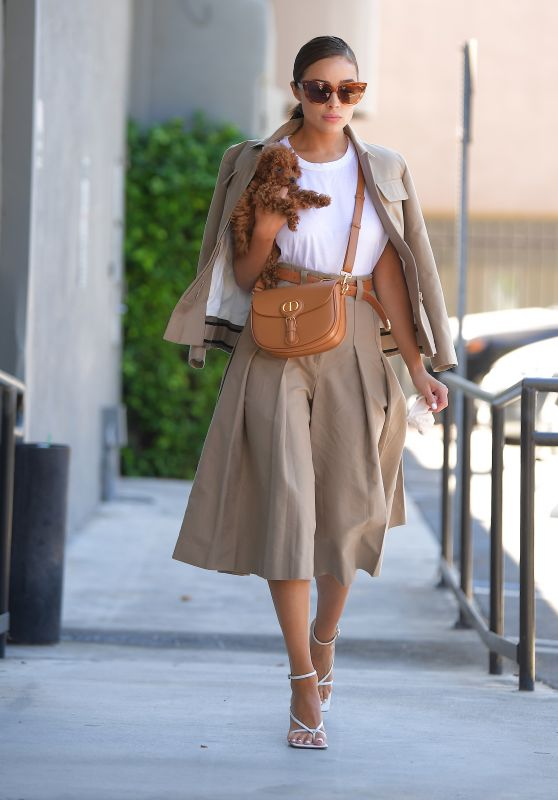 Olivia Culpo Outfit - LA 07/17/2020