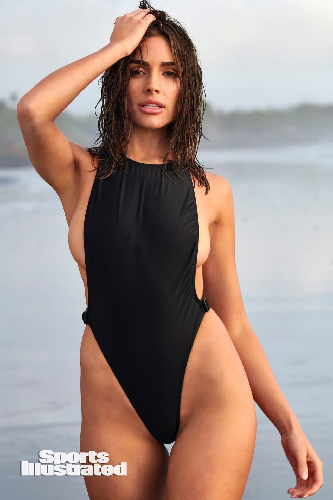 Olivia Culpo Outfit Sports Illustrated Swimsuit Issue 2020 V