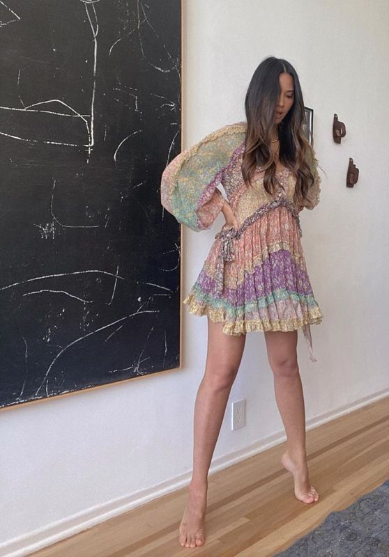 Olivia Munn Outfit - Instagram 07/28/2020