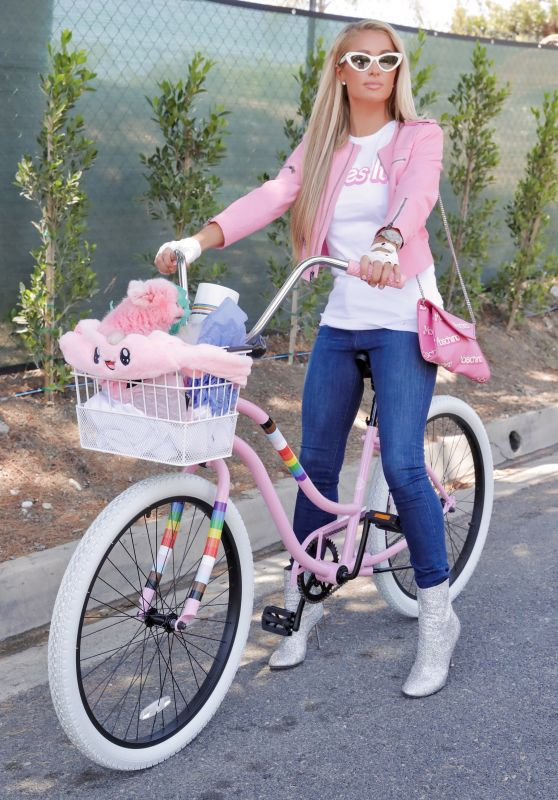 Paris Hilton - Bike Riding in Beverly Hills 07/09/2020