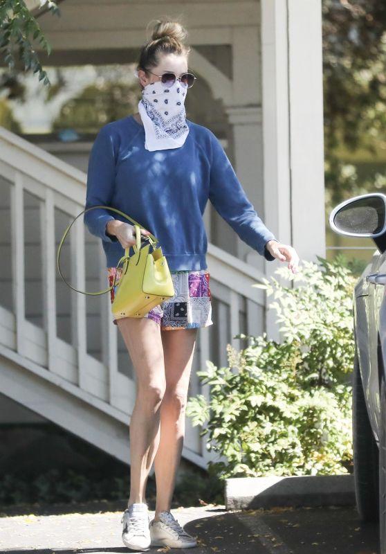 Rebecca Romijn - Leaving the Calabasas Farmers Market 07/18/2020