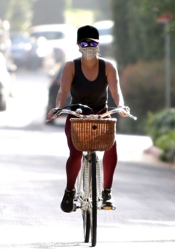 Reese Witherspoon - Bike Riding in Brentwood 07/11/2020