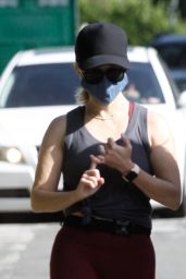Reese Witherspoon Going For a Morning Walk With Her Girlfriend - Santa Monica 07/09/2020