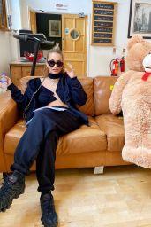 Rita Ora Outfit - Instagram 07/21/2020