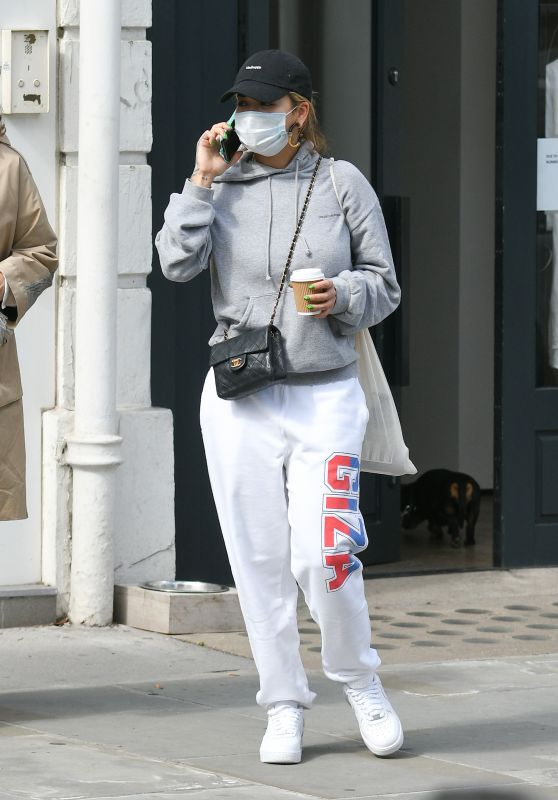 Rita Ora - Shopping in London 07/11/2020