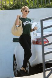 Rosie Huntington-Whiteley - Out in Los Angeles 07/27/2020