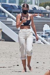 Sofia Richie Outfit - Beach in Malibu 07/04/2020