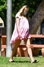 Sophie Turner - Picnic in Studio City 07/06/2020
