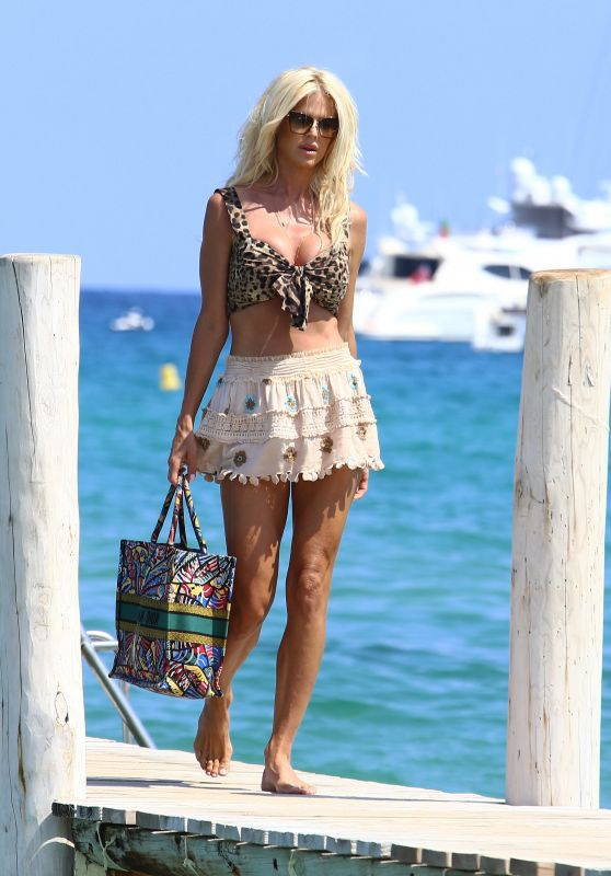Victoria Silvstedt at the Club 55 in Saint-Tropez 07/18/2020