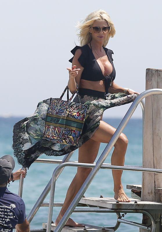 Victoria Silvstedt Summer Style - Club 55 in Saint Tropez 07/26/2020