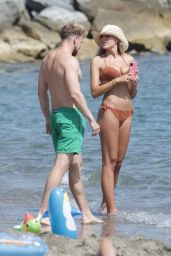 Zara McDermott in a Bikini in Marbella 07/11/2020