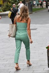 Zoe Hardman Summer Chic Style - London 07/28/2020